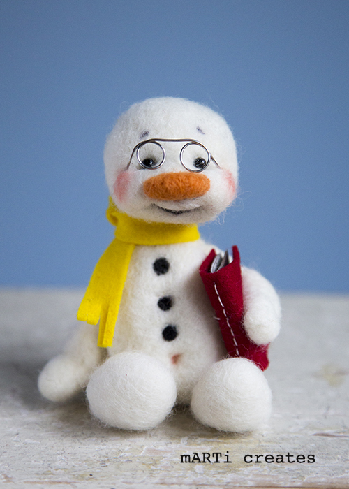Snowman_YellowScarfBook_Nov2019III_web